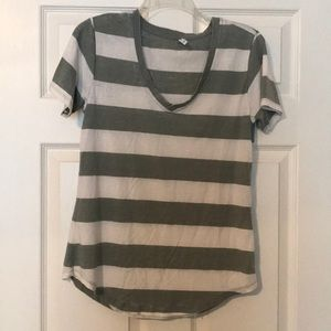 Short sleeve tee with cream and army green stripes
